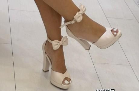 נעלי כלה נמוכות-עקב נמוך