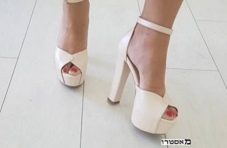 נעלי עקב נוחות